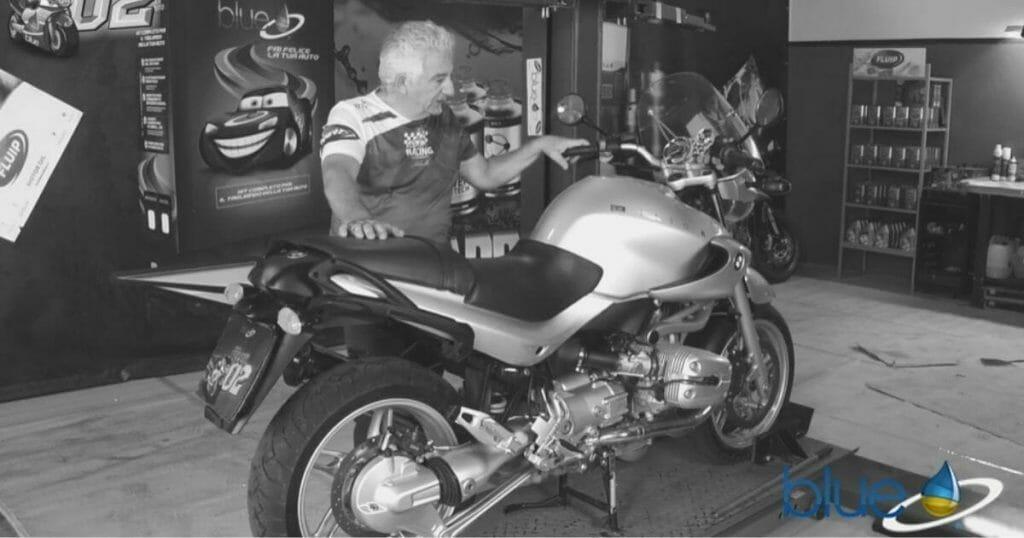 Manutenzione BMW R1150R con Olio Motore Fluip PRO 15W50 Racing Bike Nanotech